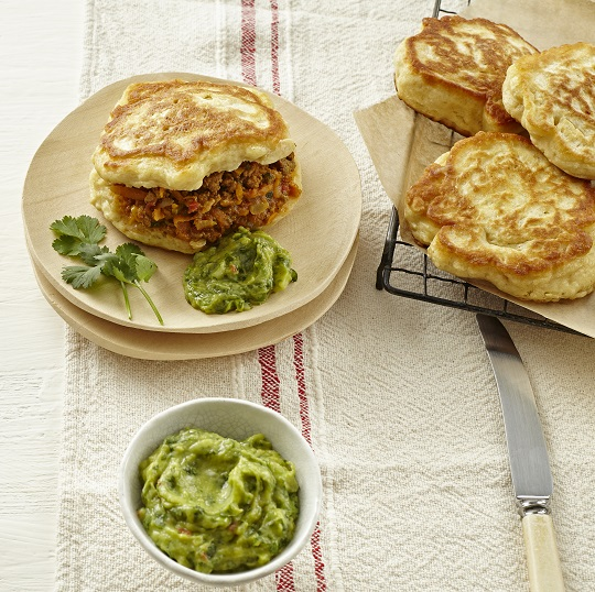 Buttermilk vetkoek with curried mince and guacamole