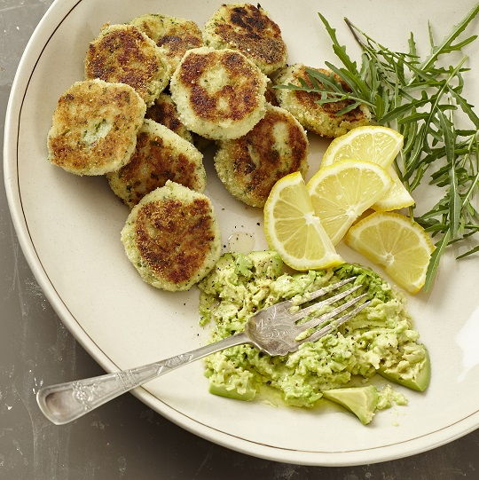 Fish cakes with crushed avo dip